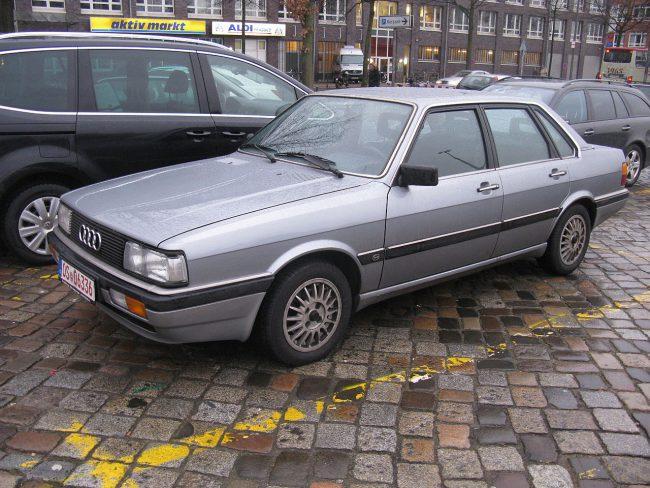 Первое поколение Audi 90