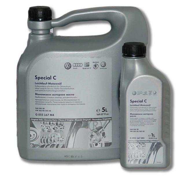 Фирменное масло с артикулом G055167M4 и G055167M2