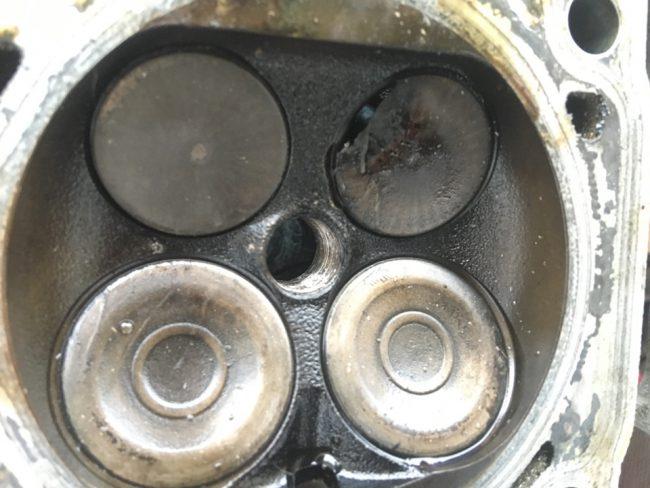 Разрушенный клапан CJKA