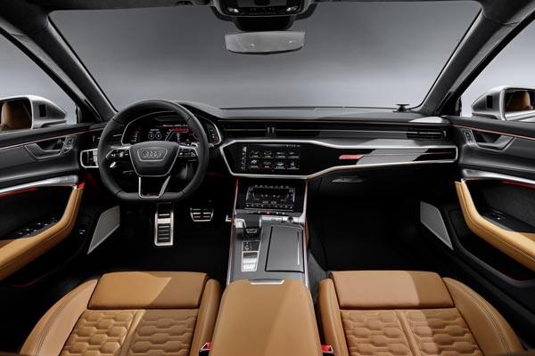 Салон автомобиля Audi RS6-R Avant