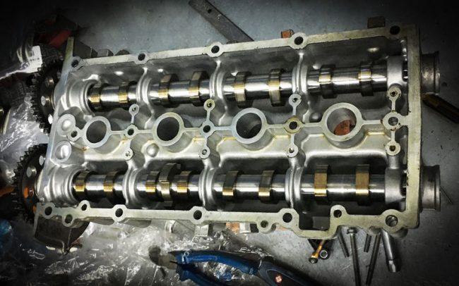 Встроенные в клапанную крышку распредвалы двигателя CFNA