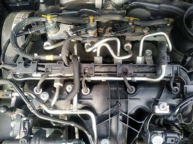 Volkswagen Touran с двигателем CLCA