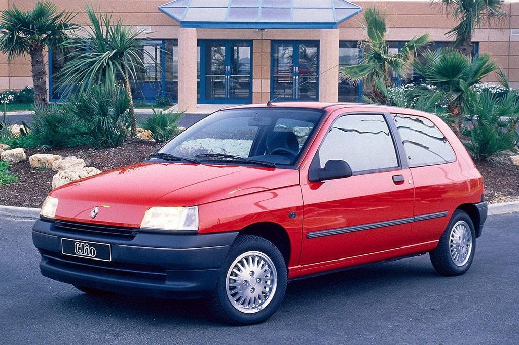 Первая машина Renault Clio (1990)