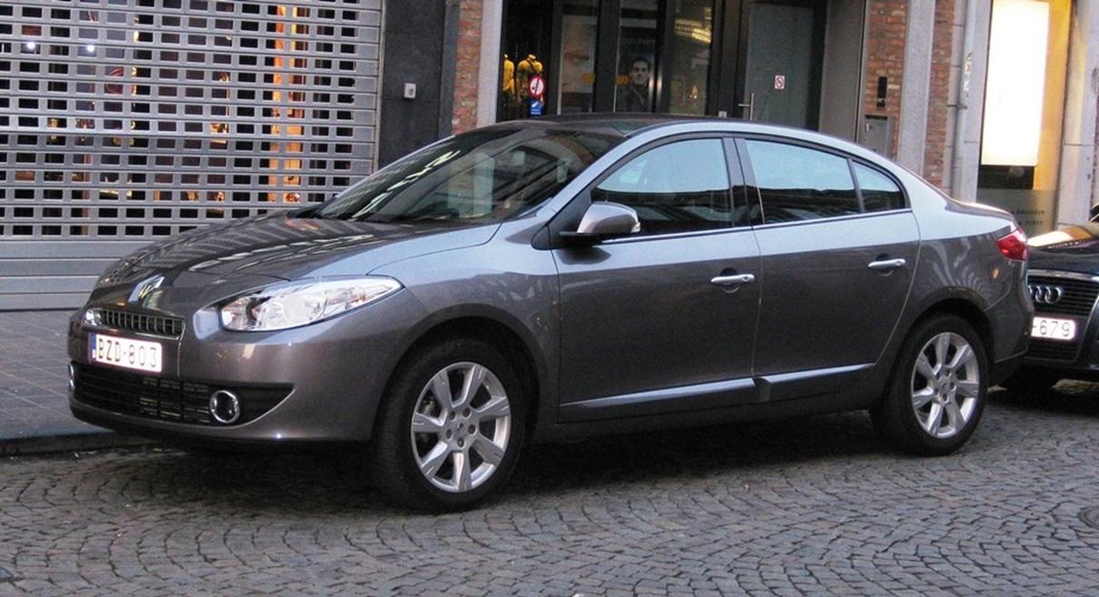 Первое поколение Renault Fluence