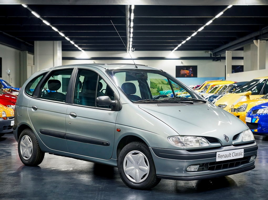 Компактвэн Renault Scenic (1996)