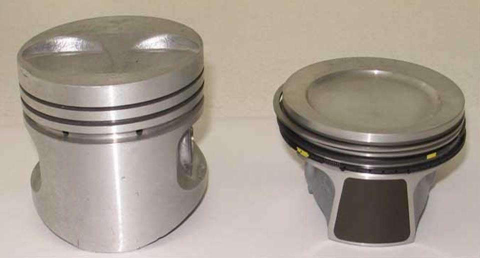 Слева поршень серийный, справа облегченный